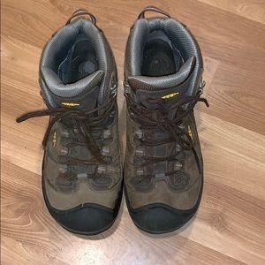 Keen Dry Waterproof trail boots size 10